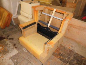 обтяжка мягкой мебели на дому