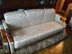 ремонт и перетяжка дивана Киев